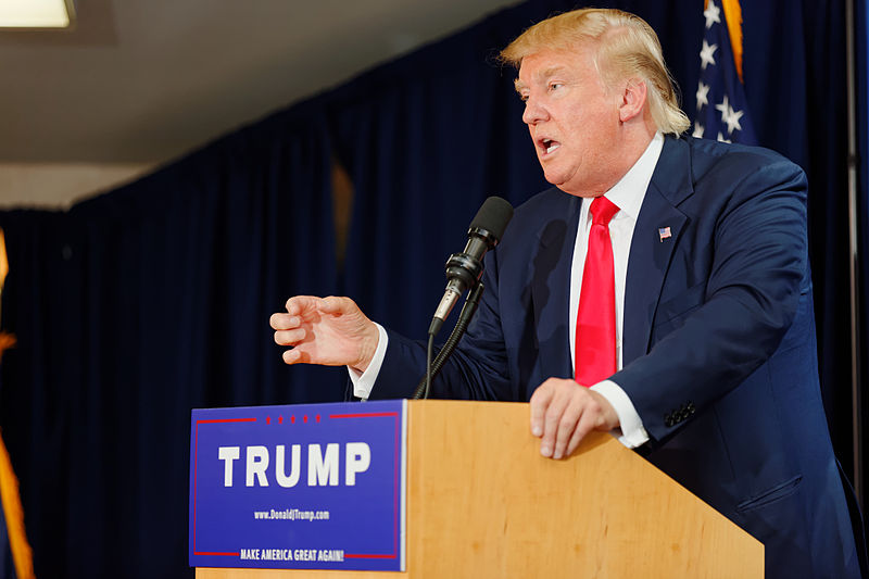 Donald_Trump_Laconia_Rally,_Laconia,_NH_3_by_Michael_Vadon_July_16_2015_09